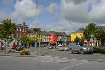 Listowel Town Square (Colin Park via Wikimedia Commons)